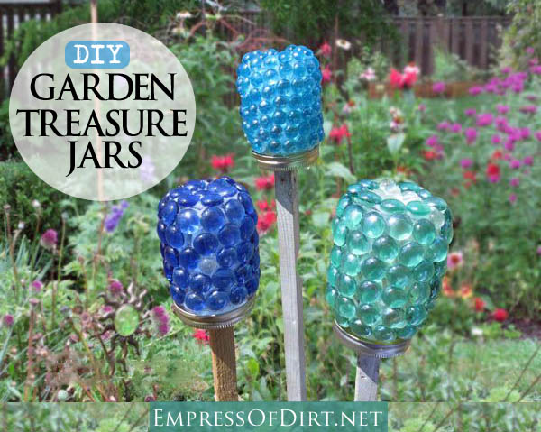 8 things to make from glass pebbles for Homemade garden decor crafts